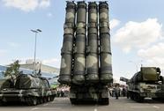 Chi tiêu quân sự tăng, kinh tế Nga khốn đốn