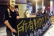 """Hồng Kông lại đụng độ, sinh viên tìm """"cầu nối"""" đến Bắc Kinh"""