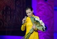 """Khánh Ly làm """"thượng thọ"""" trên sân khấu Hà Nội"""