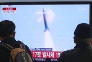 Triều Tiên bắn 25 tên lửa tầm ngắn
