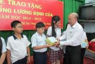 Trao 262 suất học bổng cho học sinh nghèo