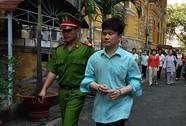 Lừa đảo 130 người, lãnh 30 năm tù