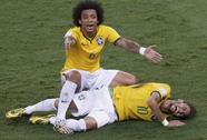 Neymar nứt cột sống, chia tay World Cup