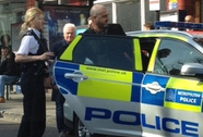 Eric Cantona bị bắt vì đánh người ở London