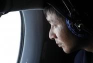 Nghĩ từ chiếc máy bay mất tích