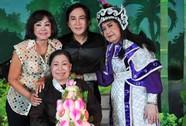 Đồng nghiệp mừng thọ NSƯT Ngọc Hương