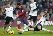 Barcelona thua ngược, sắp mất ngôi đầu