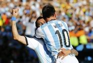 """""""2 M"""" lóe sáng, Argentina nhọc nhằn vào tứ kết"""
