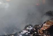Cháy 500 tấn giấy, thiêu rụi 12 tỉ đồng