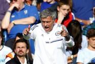 HLV Mourinho mắng học trò te tua, Cole bật khóc sau trận