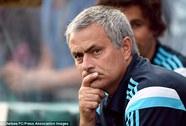 "HLV Mourinho chực chờ ""cuỗm"" Varane từ Real Madrid"