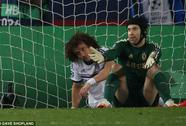 Ông Mourinho chỉ trích hàng thủ Chelsea chơi như trò hề