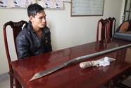 Mâu thuẫn tại bàn bi-a, vác mã tấu 1,5 m đến tận nhà truy sát