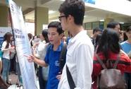 Hơn 2.000 sinh viên đến ngày hội nghề nghiệp