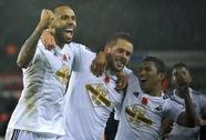 """""""Pháo"""" ướt ngòi ở Liberty, Tottenham thua ngược Stoke City"""