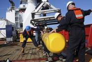 Phát hiện vết dầu loang nghi của MH370