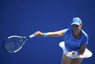 """""""Kiều nữ"""" Pavlyuchenkova đăng quang tại giải WTA Paris"""