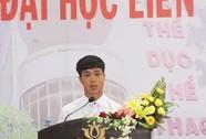 Tân sinh viên Công Phượng phát biểu trong lễ khai giảng
