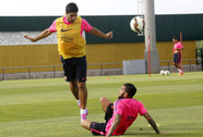 "Suarez: ""Tôi cảm thấy khó xử"""