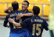 AC Milan thảm bại 1-5 trước nhà vô địch giải Ngoại hạng