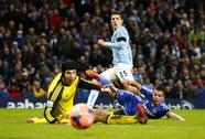 """""""Đất dữ"""" Etihad cuốn phăng Chelsea, Man City vào tứ kết"""