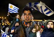 Trở về nước, Suarez được chào đón như người hùng