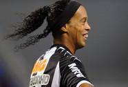 """Ro """"vẩu"""" đoạt giải Cầu thủ hay nhất Nam Mỹ 2013"""