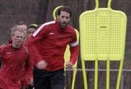 Van Nistelrooy trở lại giải cứu M.U?