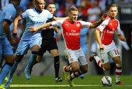 """Cầu thủ Anh dần """"mất tích"""" ngay trên sân chơi của mình"""