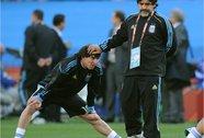 Messi ghen tị với Maradona