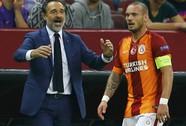 Galatasaray lại quỵt lương, Sneijder dọa kiện lên FIFA