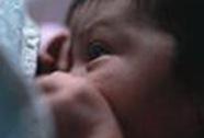Sữa mẹ giúp kéo giảm nguy cơ béo phì ở trẻ