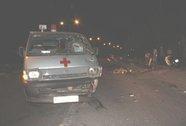 Xe cứu thương tông xe máy, một người chết