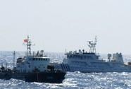 Tàu Trung Quốc đồng loạt tăng tốc độ áp sát tàu Việt Nam