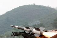 Chủ tịch nước Trương Tấn Sang thị sát bắn tên lửa cải tiến