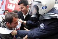 Thủ tướng Thổ Nhĩ Kỳ đối mặt sức ép từ chức