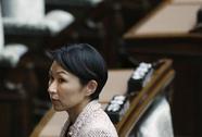 Nữ bộ trưởng Nhật từ chức vì dùng quỹ đảng mua … mỹ phẩm