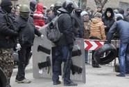 Ukraine tấn công người đòi ly khai