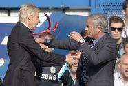 HLV Wenger không xin lỗi vụ xô Mourinho