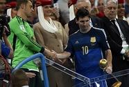 Chưa thể phong thánh cho Messi
