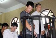 Vụ 9 cầu thủ Ninh Bình bị treo giò vĩnh viễn: Bị cấm chơi bóng, Dũng ở nhà gói giò