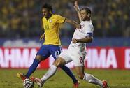 Thắng nhọc nhằn, Brazil bị la ó