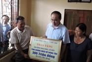 Trao gần 2 tỷ đồng cho ngư dân Lý Sơn