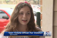 """Đậu xe trái phép, cảnh sát bị dân viết giấy """"phạt"""""""