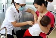 Dịch bùng phát mạnh, Hà Nội tiêm miễn phí vắc-xin sởi