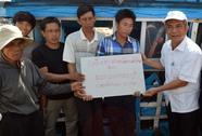 Chủ tịch Đặng Ngọc Tùng thăm ngư dân Lý Sơn