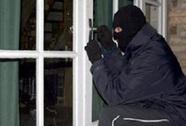 Bắt băng trộm chuyên phá cửa bằng xà beng
