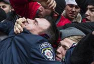 Lực lượng thân Nga chiếm tòa nhà quốc hội Crimea