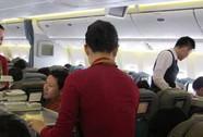 Tiếp viên Vietnam Airlines bị nghi tiêu thụ hàng trộm cắp