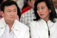 Đi mua sắm, vợ cũ ông Thaksin bị người biểu tình rượt đuổi